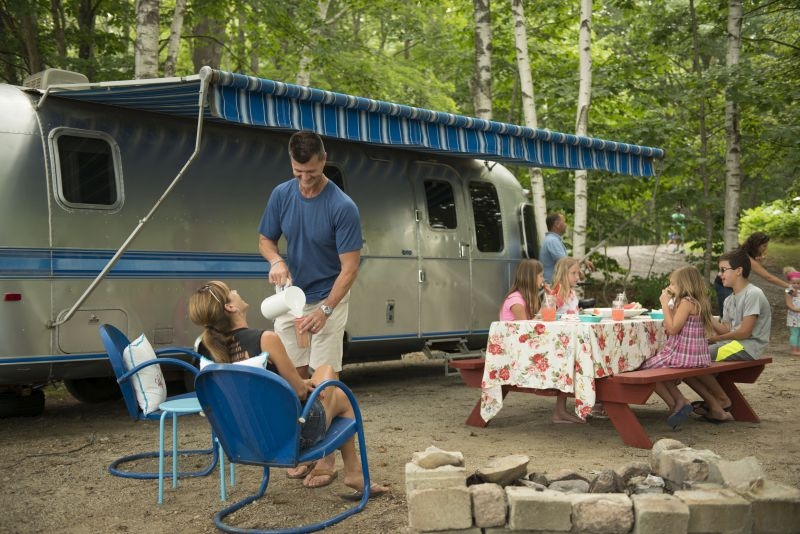 airstream-sonja-ben-and-kids-best-resized