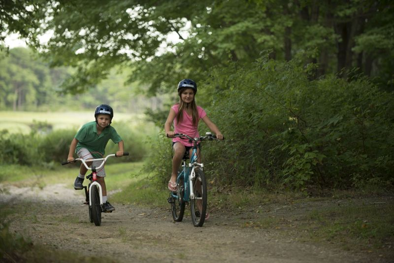 kids-riding-bikes-resized
