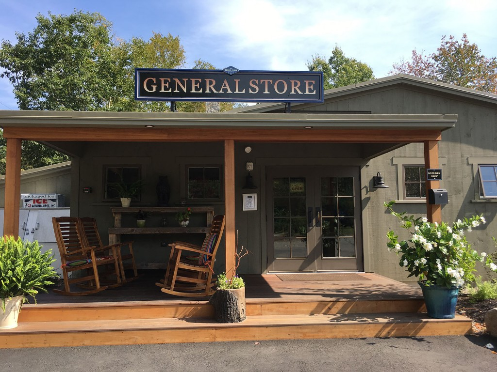 Sandy-Pines-Campground-General-Store